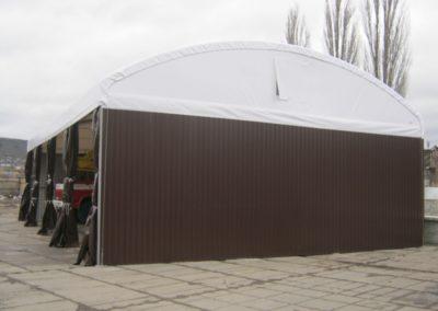 hala-s-obloukovou-strechou-a-kombinovanym-oplastenim-1456400150